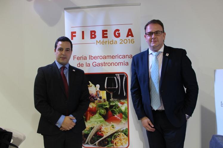 Roi Correa, presidente de FIBEGA y Antonio Rodríguez Osuna, alcalde de Mérida 2